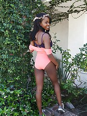 Ebony chick Jezabel Vessir strips off onesie and denim shorts outdoors