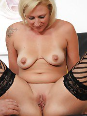 Over 40 blonde MILF Lenny toying pussy for kinky gyno doctor