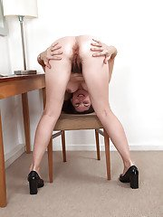 Over 30 brunette secretary Francesca spreading her hairy vagina