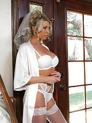 New Euro bride Lexi Lowe unleashing large tits before giving bj to hubby