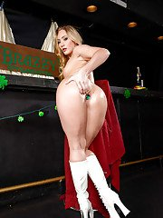 Blonde solo girl AJ Applegate showing off oiled booty in knee high boots