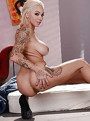 Big boobed blonde babe Harlow Harrison reveal tattoos and phat ass