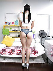 Solo girl Marley Brinx flaunting phat ass in short shorts and high heels