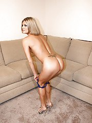 Italian first timer Adriana Amante undressing for solo girl photo shoot