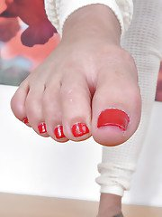 Barefoot Latina MILF Sheena Ryder showing off painted toes and trimmed twat