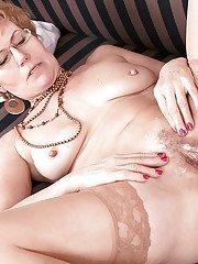 Glasses adorned mature Euro broad giving bj and taking cumshot on pussy