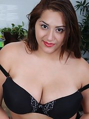 Chubby skirt adorned Italian CeCe Giovanni freeing large all natural tits
