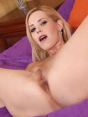 Blonde MILF Kylie Knight freeing big natural tits from sexy lingerie