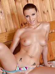 Naught babe Victoria Daniels sipping off bikini in sauna for anal fingering