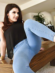 Valentina Nappi has high heels removed for foot worship and cumshot on feet