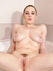 Flexible Euro chick Samantha Bentley displaying enticing bare feet in bath