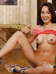 Latina MILF Francys Belle pissing into glass wearing high heels