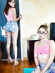 Teen schoolgirl Goldie Rush taking cumshot on glasses after catfight