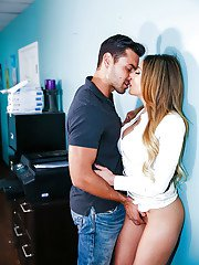 Pornstar Jaclyn Taylor letting big tits loose during hardcore office fuck
