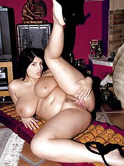 European slut with trimmed cave Kerry Marie rubs her chubby breasts
