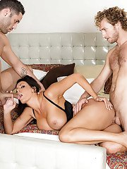 Big titted MILF Reagan Foxx fucking two cocks at same time in her bedroom