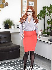 Chubby redhead secretary Lennox Luxe stripping naked in glasses at work