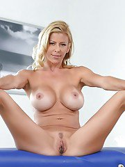 Mommy Alexis Fawx moans after cock to ravish her trimmed peach