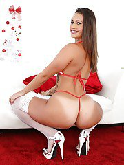 Solo model Kelsi Monroe displaying big butt in white stockings and heels