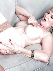 Over 50 lady Sindee Dix fucking younger dude after he eats her pussy