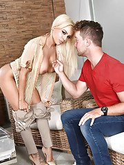 Blonde Latina cougar Luna Star exchanging oral sex after seducing younger dude