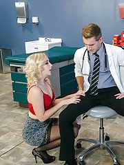 Blonde chick Samantha Rone having oral sex exchange with her doctor