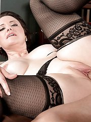 Mature seductress in fancy stockings Vivian Piper gets ass impaled on cock