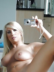 Hot blonde chick Tasha Reign baring nice tits while taking selfies in mirror