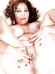 Long time since busty mature Sandra Martines had such young penis in her
