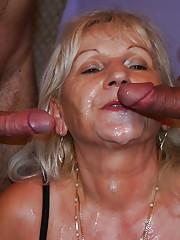 Mature bitch Anna gets her asshole and hairy twat double penetrated hard