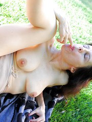 Lusty MILF Marie gets her hairy kitty licked well and gives a masterful ride