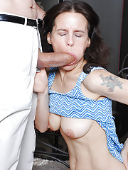Agile mature with hairy twat enjoys facesitting and rides in a reverse cowgirl