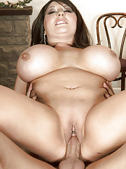 Gorgeous fatty with puffy nipples gets her beaver licked and fucked so hard