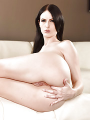 Dark haired babe Alex Harper slips off jeans to display nice ass in the nude