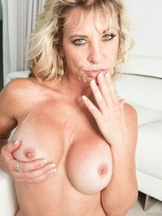 Middle-aged blonde Brandi Fox downs a beer with the boys before MMF threesome