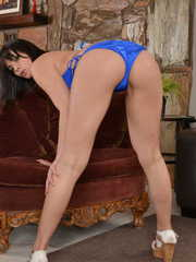 Sexy brunette girlfriend Violet Starr spreads thighs wide and stretches pussy