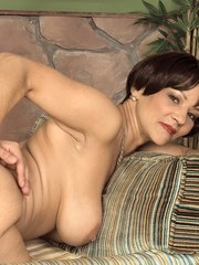 Mature babe with a big ass and massive tits enjoys incredibly deep penetration