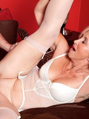 Talented mature mom Connie McCoy experiences hardcore anal fuck and moans