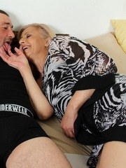 Mature slut with hairy cunt gets her beaver licked and banged by a young dude