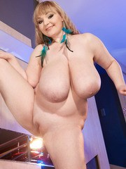 Big tits MILF Micky Bells premium nudity and pussy fingering solo
