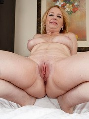BBW woman Brandie Sweet toys her wet meaty pussy with a pink dildo toy