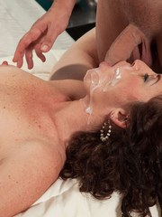 Old Euro woman Tammi Sue end up with jizz all over her face from young lover