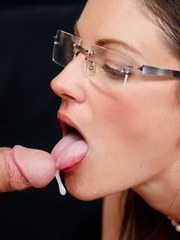Kinky stepmom swaps jizz with her stepdaughter after doing a 3some together