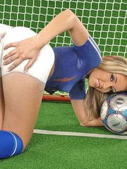 Hot female soccer player Cherry Jul models in skin tight shorts