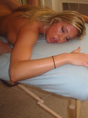 Hot blond chick Samantha Saint gets seduced and covered in jizz by her masseur