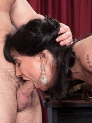 Dark haired mature lady Elektra drips jizz from her twat after office sex