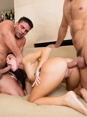 Teen spinner Megan Rain gets hefted in the air for a double penetration
