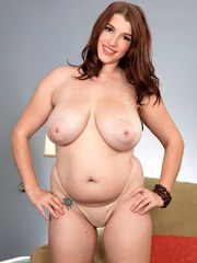 Overweight solo model Melissa Manning whips out her knocker as she undresses