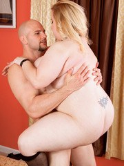 Blonde BBW Nikky Wilder performs some incredible sex moves while fucking