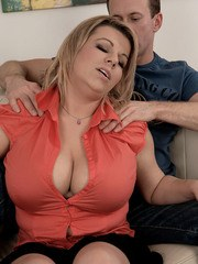 Chubby girl gets banged after her guy seduces her with a shoulder massage